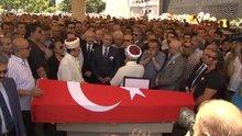 Yaşar Nuri Öztürk, son yolculuğuna uğurlandı