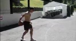 Basketsever Lukas Podolski