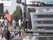 TIR'a arkadan çarptı: 3 ölü 1 yaralı