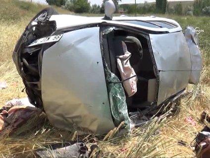 Yozgat'ta otomobil tarlaya uçtu 1 ölü 4 yaralı