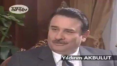 TRT arşiv 'Başbakan yüzme bilmiyor' videosu