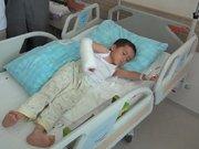 3 yaşındaki Hasan'ın kopan parmak damarları dikildi