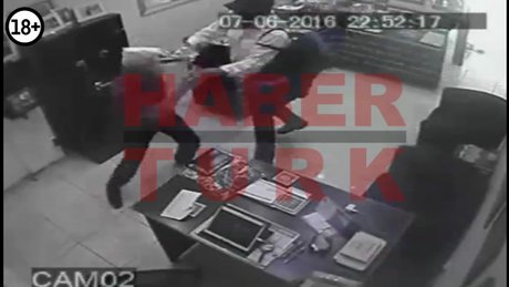 İzmir'de önce cinayet sonra çekiçle kuyumcu soygunu
