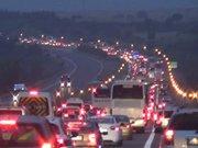 TEM'de TIR yandı trafik felç oldu