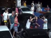 Tatilciler feribotta birbirine girdi!