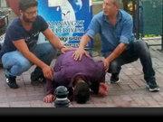Antalya'da silahla çocuğu yaralayan kişi kazara kendini vurdu