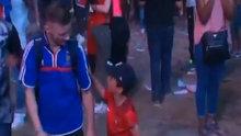 Portekizli çocuk teselli etti