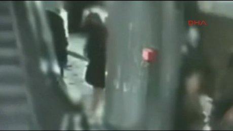 Berlin metrosunda kundakçı dehşeti