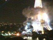 Eyfel Kulesi yakınlarında dumanlar yükseldi