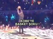 Kobe sırılsıklam