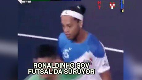 Ronaldinho şov Futsal'da devam