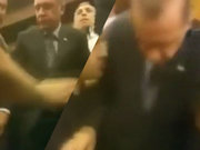 Cumhurbaşkanı Erdoğan yaralı vatandaşı alnından öptü