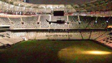 Askeri helikopterin Vodafone Arena'ya inme anı