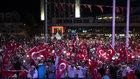 Meydanlardaki 'Demokrasi Nöbeti' sürüyor!