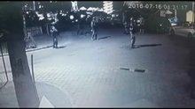 /video/haber/izle/marmariste-darbeci-askerler-otelin-yerini-vatandaslara-sormus/194316