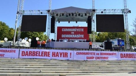 Taksim Meydanı demokrasi mitingine hazır