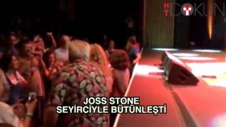 Joss Stone seyircilerin arasına indi
