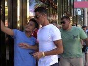 Cristiano Ronaldo, Selfie Çekilmek İsteyen Taraftarı İtti