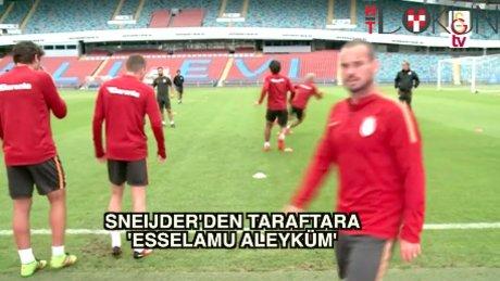 Sneijder'den taraftara 'Selam'