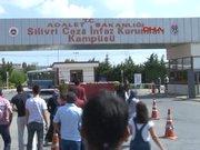 Silivri cezaevi önünde tahliye hareketliliği
