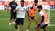 Beşiktaş'ın yeni transferi Adriano ilk idmanına çıktı