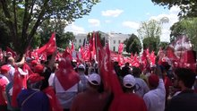 """Beyaz Saray önünde """"Darbeye Karşı Demokrasi"""" mitingi"""