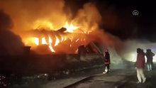 Konya'da sanayi sitesinde yangın
