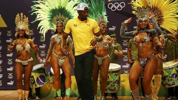 Usain Bolt'tan samba şov