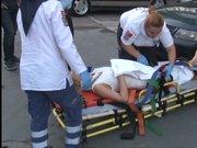 Ankara'da genç bir kadın balkondan otomobilin üzerine düştü