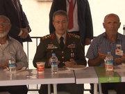 Genelkurmay Başkanı Akar, şehit ailesini ziyaret etti