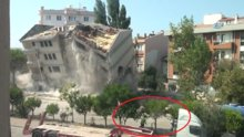 Polis lojmanlarının yıkımını izleyenler canlarını zor kurtardı