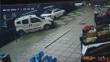 Freni boşalan kamyon, özel halk otobüsüne çarptı