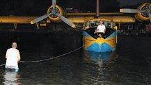 Muğla Yangın söndürme uçağı denizin ortasında kaldı