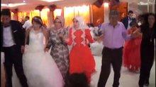 Van'daki patlama anı, düğün kamerasına yansıdı