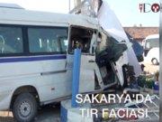 TIR, tekstil işçileri taşıyan minibüse çarptı: 2 ölü, 9 yaralı