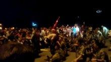 Darbe gecesi vatandaşlar askerleri böyle ikna etti