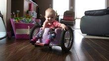/video/eglence/izle/felcli-kizlarina-tekerlekli-sandalye-yapan-aile/197854