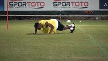 Penaltı kaçıran Eto'o kendisine ceza verdi