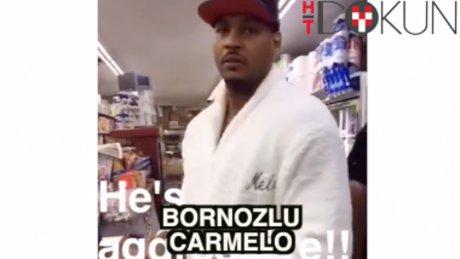 Carmelo'nun bornozlu favela ziyareti
