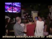 Rüzgar Erkoçlar'ın yeni mesleği DJ'lik