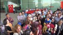 PKK'nın saldırdığı Diyarbakır Havalimanı'nda Türk bayraklı protesto