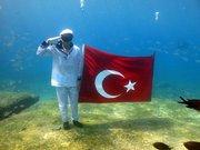 Denizde Türk bayrağı açtılar