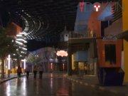 Dünyanın en büyük kapalı tema parkı Dubai'de açılıyor