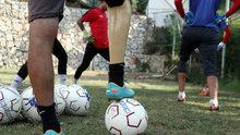 Bir ayağı protezli antrenörün futbol aşkı