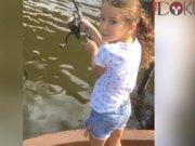 Van Persie ailesiyle balık avında