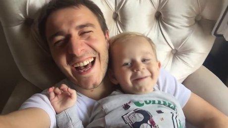 Rizeli babanın oğluyla yaptığı komik düet