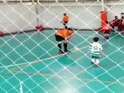 Babasının oğlu! JR. Alex'ten penaltı golü.