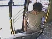 Yolcu gibi bindi, otobüsü soydu!