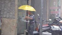 Aniden bastıran yağmur Bandırmalıları hazırlıksız yakaladı