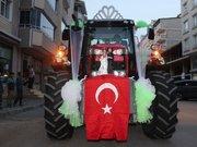 Damat çiftçi olunca gelin arabası traktör oldu
